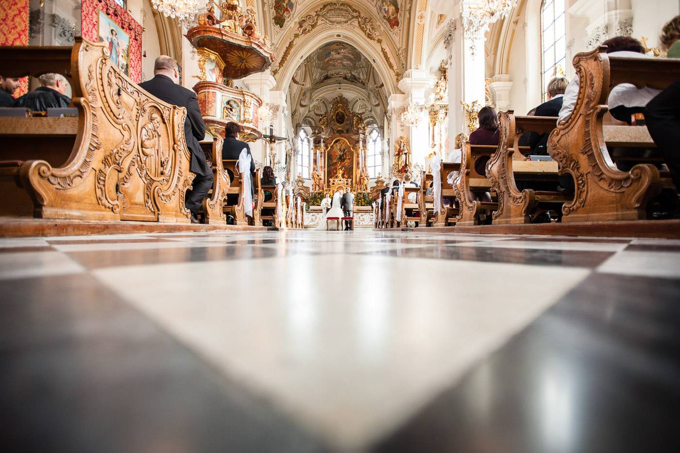aschenputtel-hochzeitsfotograf-kirche-absam-tirol