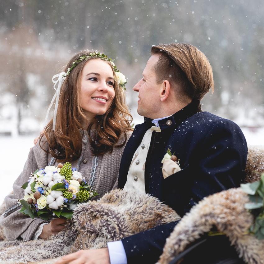 hochzeitspaar-winter-hochzeitsfotos-winterhochzeit-achensee-tirol
