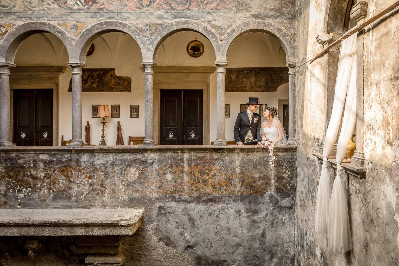 aschenputtel-hochzeitsfotograf-portaits-castel-toblino-trento-italien