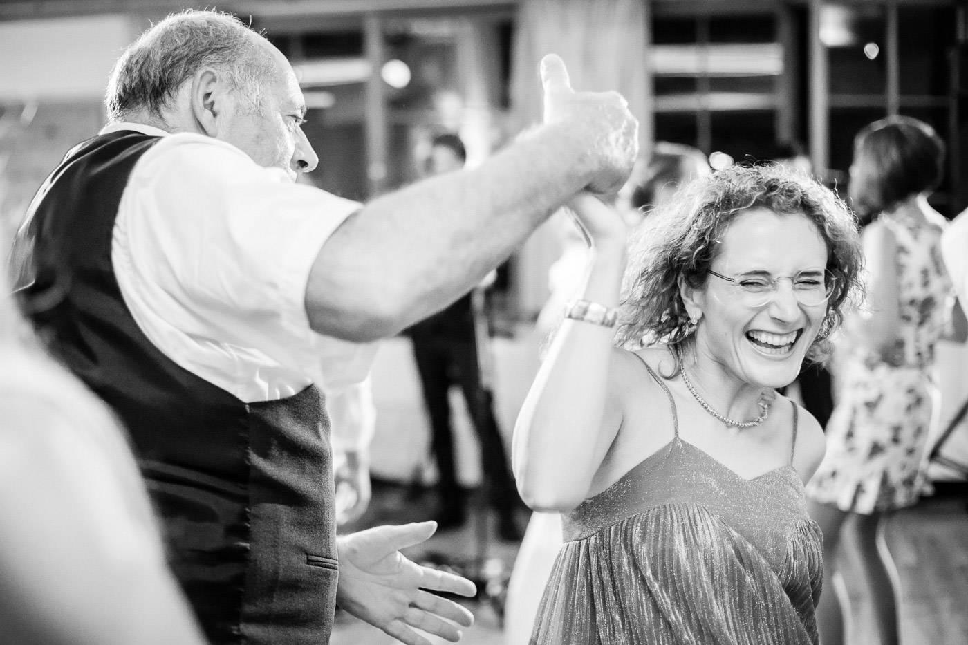 aschenputtel-hochzeitsfotograf-hochzeitsfeier-party-hall-in-tirol