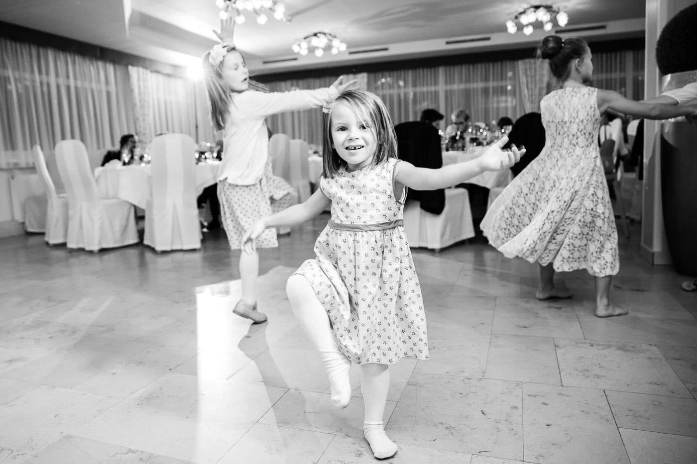 aschenputtel-hochzeitsfotograf-kinder-party-lans-tirol