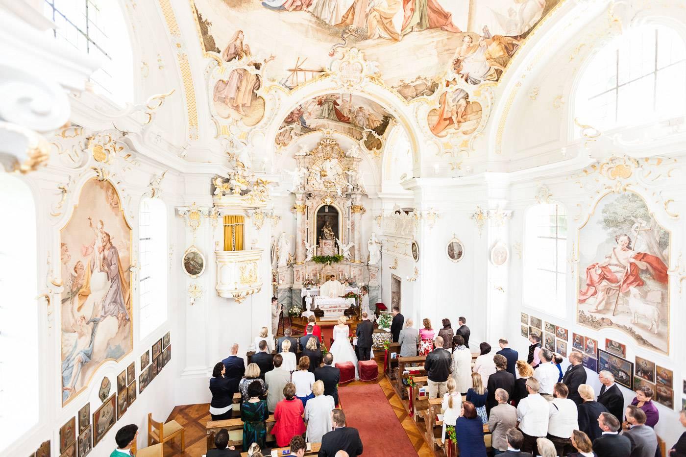 aschenputtel-hochzeitsfotograf-kirche-mentlberg-innsbruck-tirol