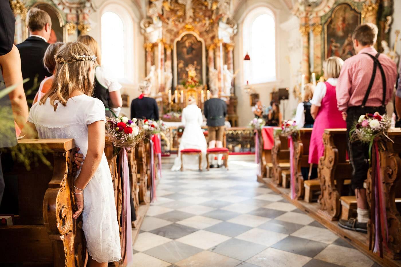 aschenputtel-hochzeitsfotograf-kirche-patsch-tirol