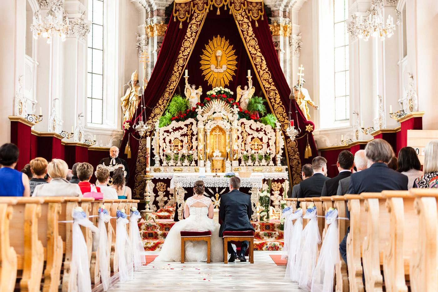 aschenputtel-hochzeitsfotograf-kirche-fulpmes-stubaital-tirol